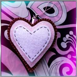 Игрушка Подвеска Сердце-пряник (из фетра)