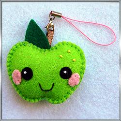Подвеска Брелок Яблоко зеленое (из фетра)